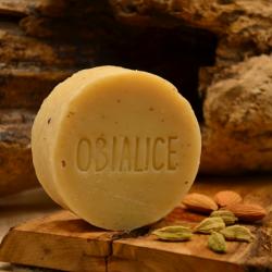 Savon naturel - savon surgras - amande douce- kaolin - huile essentielle cardamome, gingembre, encens: Obialice - forme palet