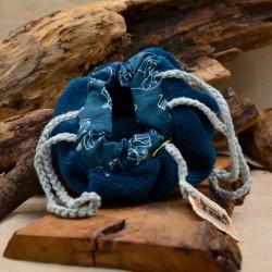 Bourse à savons et shampoings solides bleue par Obialice savonnerie artisanale Montpellier